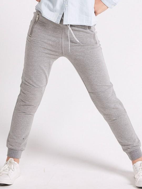 Спортен панталон в сиво с усилени колене