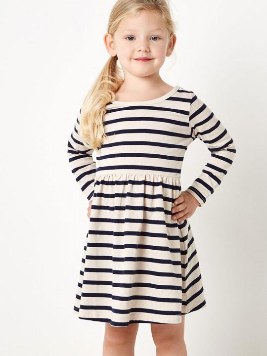 Детска рокля от трико с десен райе в кремаво и тъмно синьо